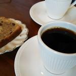 カザーナ・コーヒー - コスタリカ&チョコとくるみのパウンドケーキ