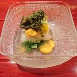 76902509 - (2017年11月 訪問)自家製玉子豆腐・牡丹海老・雲丹・煮凝り添え。それぞれの食材が最適な状態で美味しく仕上げられています。
