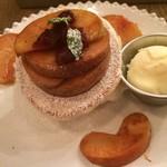 76904417 - 林檎のパンケーキ