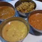 インドレストラン バーワルチー - ・ダル、アルーキャベツ、キーマ、カダイチキン