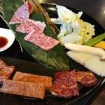 焼肉八七 - 肉の盛皿