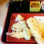 酒菜とごはん 花籠 -    天ぷら定食