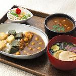 FUMUROYA CAFE  - 生麩と豆のベジタリアンカレー