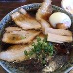 鶴亀 - 料理写真:ラーメン+チャーシュー