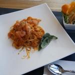 シェサン - 料理写真:本日のパスタ(エビのトマトクリームパスタ)@600