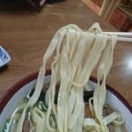 新山食堂 - 麺リフト