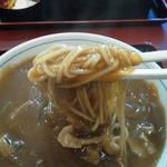 川崎増田屋 - とろみのあるカレーは麺によく絡みます