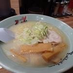 梅光軒 - ◆塩ラーメン(780円)・・醤油ラーメン好きの主人が珍しくも「塩」をチョイス。 コクに欠けるかなと言いながら頂いておりました。