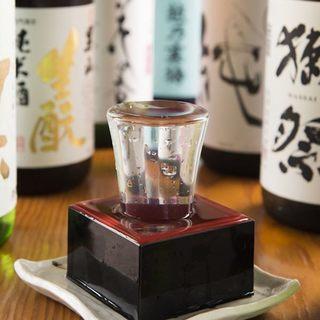 月替わり、数量限定の日本酒♪