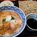 Katsuraan - 親子丼と半蕎麦のセット