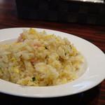 ハカタ オノ - ◆ミニ炒飯・・パラパラ仕上げで、薄味。でも搾菜と一緒に頂くと丁度いいですね。