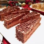 トミーバハマ - トリプルチョコレートケーキ@ココアスポンジに濃厚なチョコレートガナッシュ。バターケーキのようなイメージです