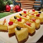 トミーバハマ - ニューヨークチーズケーキ@小さいけどしっかりとした満足感のあるチーズケーキ。正統派