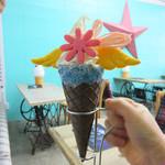 キラー コーヒーアンドクリームラボ - フォトジェニックなソフトクリーム!