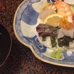 史 - ちらし寿司、お吸物