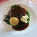TERROIR Kawabata - 牛ほほ肉の赤ワイン煮 ブルゴーニュ風 ベーコンの燻製 シャンピニヨンのソテー 小玉葱と季節野菜