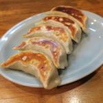 南湖 - 料理写真:手造り焼き餃子1