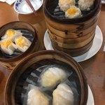 重慶茶樓 - 蟹入りしゅうまい、海老しゅうまい
