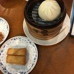 重慶茶樓 - 春巻、肉まん