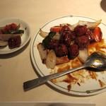 中国飯店 - 黒酢酢豚取分け