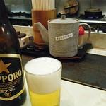 ぎょうざ 鉄なべ - ビールは必須の組み合わせ。