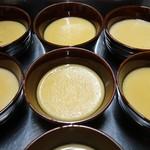 アルケーネ - 出来立てがウリの最高級タヒチバニラのとろけるプリン。そこらのプリンとは別次元です。