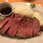 Steak&Trattoria Carnesio - ローストビーフ 250グラム