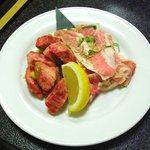 焼肉 おもに - ゲタカルビ・豚トロ