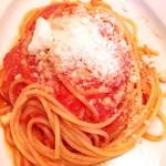 76971623 - イタリア産モッツァレラチーズのトマトソースパスタ
