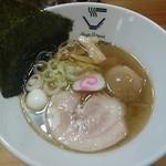 クリーミーTonkotsuラーメン 麺家神明 - 淡麗中華熟玉のせ 860円
