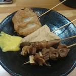 クリーミーTonkotsuラーメン 麺家神明 - 牛すじ 210円×2、青串 140円×2