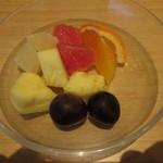 レストラン モナミ - カットフルーツ