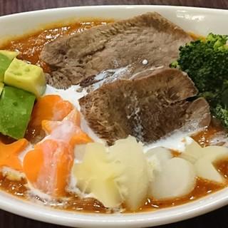他で食べる事の出来ない創作韓国料理有ります❗