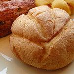 米粉パン専門店 和良 大元工房 - メロンパン