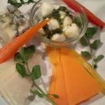 立ち喰い寿司とビオワイン ふく  - チーズ盛り合わせ