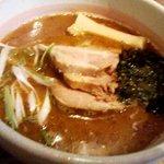 麺酒場 まがり - 「らあ麺」700円也。税込。