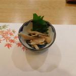 76981457 - 日替わりの前菜(キノコの和え物)