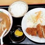 長ちゃんラーメン - 料理写真:とんかつセット(ラーメンはみそ)1,030円 2017/11