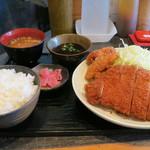 Sakuton - 【上ロースカツ定食+唐揚げ2個】             ¥850+¥100