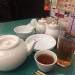 横浜大飯店 - 無料のライチ紅茶&冷たい烏龍茶