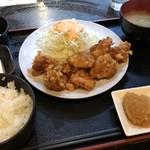 酒肴ちいち - ランチの唐揚げ食べ放題