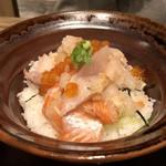 三枚目 助五郎 - 海鮮こぼれ丼