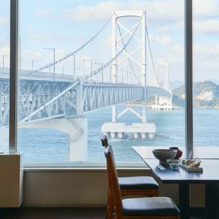大鳴門橋が間近に迫る!淡路島で唯一のレストランです!