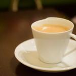 欧風カレー ボンディ - ホットコーヒー(大手町限定サービスにて)