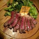 熟成肉バル 肉賊カウぼーず - 熟成肉サーロイン 100gram約1200円