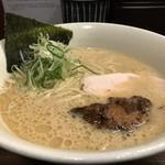 らーめん 会 - 料理写真:豚鶏節のラーメン(2017.11.25)