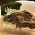 らーめん 会 - チャーシューは、ラフテー風トロトロ豚バラと鶏の胸肉(2017.11.25)