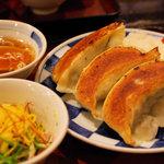 一圓 - 横おきごはん、ジャンボ餃子3つ(スープ付き) 630円