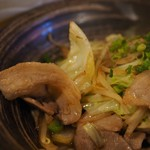 居酒屋コバラヘッタ - 豚肉とキャベツの味ぽん炒めアップその1