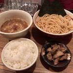 吉田製麺店 - 煮干しつけそば・ライス・コロチャ